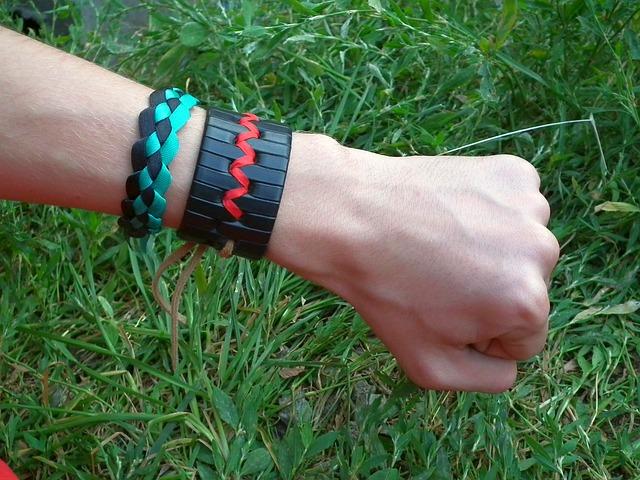 marchi di braccialetti con perline per aiutarti a personalizzare il tuo stile
